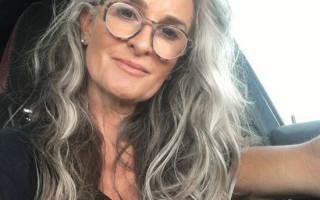 Как женщине 50 лет выглядеть дорого: 5 модных правил для ухоженного внешнего вида