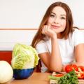 Можно ли кормящей маме есть тушеную капусту
