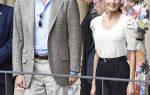 Королева Испании в футболке с широкими рукавами, брюках за 50 евро и любимых эспадрильях