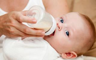 Стоит ли сцеживать молоко
